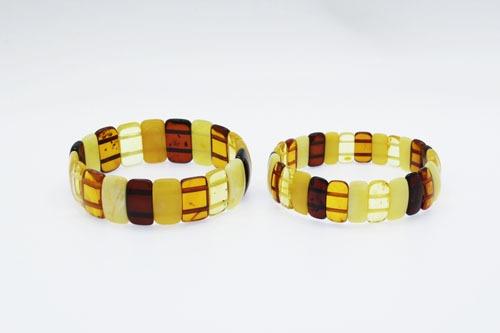 Natural Baltic Amber Stretch Bracelet. Amberman.